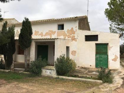 Detached country house in yecla murcia