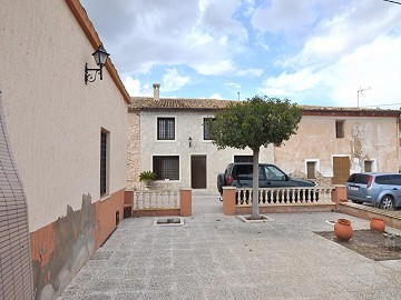 Amazing fully reformed country house in Salinas (near Sax)