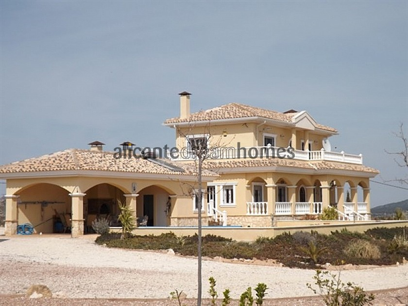 Luxury New Build with Pool €239,000 inc. land, licences & legalities  in Alicante Dream Homes