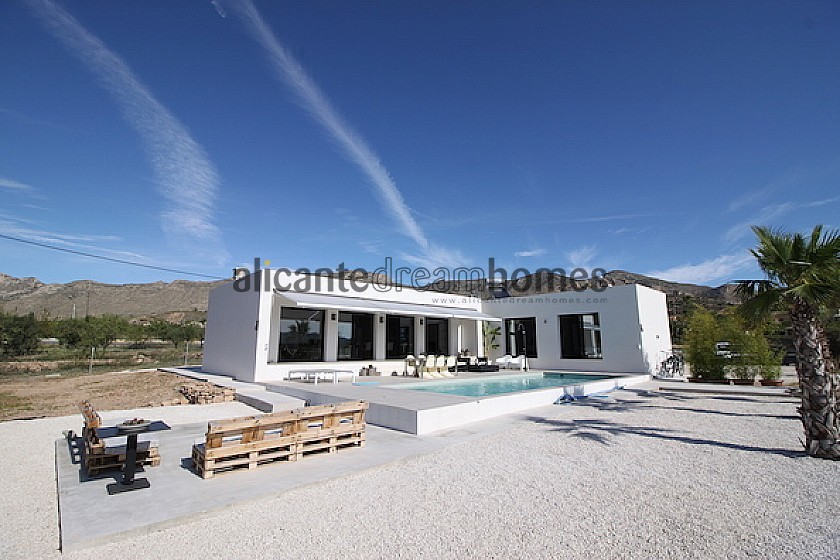 Villa Med - New Build - Modern Style starting at 269,995 in Alicante Dream Homes
