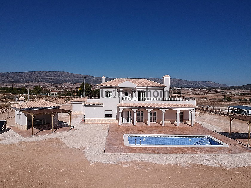 Beautiful new villa for sale in Pinoso in Alicante Dream Homes