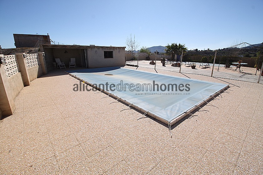 Large 5bed 2bath Traditional house with pool & pool house  in Alicante Dream Homes