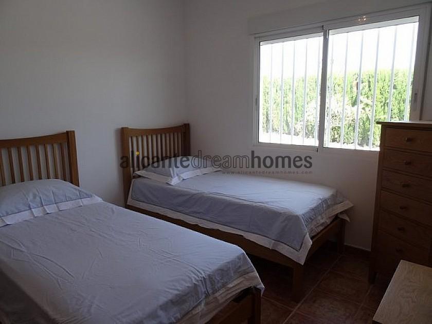 Walk to Pinoso 4 bedroom Villa with 10m pool  in Alicante Dream Homes