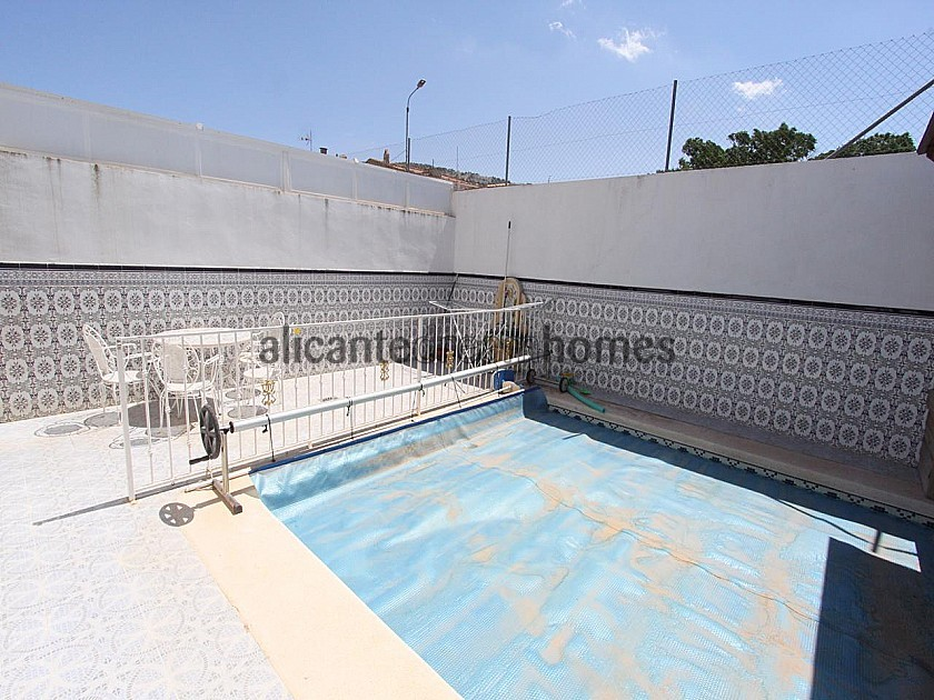 3 Bedroom modern townhouse with large pool and decking bridge in Alicante Dream Homes