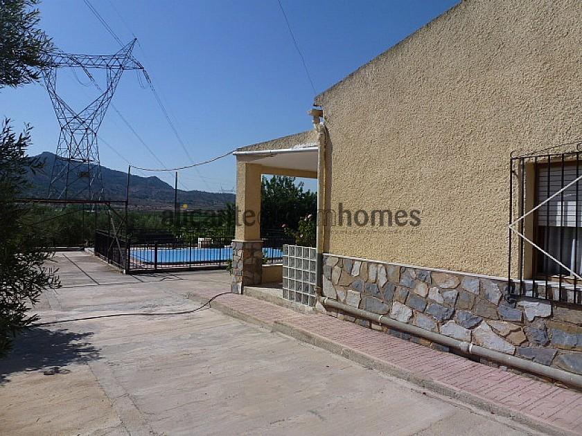 Detached Villa with Private Pool  in Alicante Dream Homes