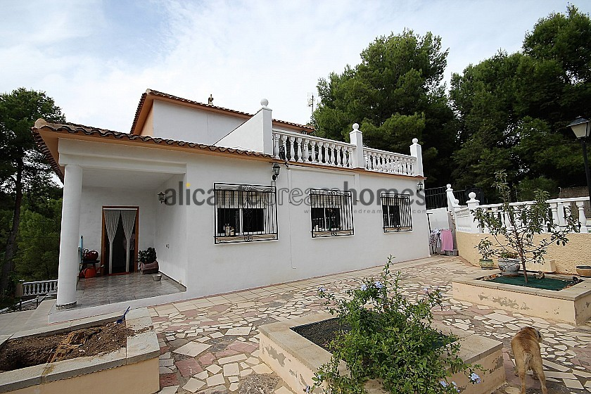4 Bedroom 2 Bathroom country house in Terol in Alicante Dream Homes