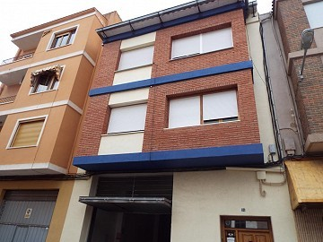 Immaculate Townhouse with Garage in Caudete