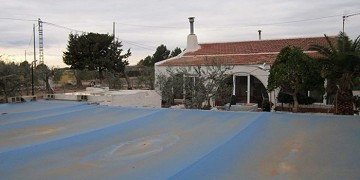 Country house 7km from Yecla with pool