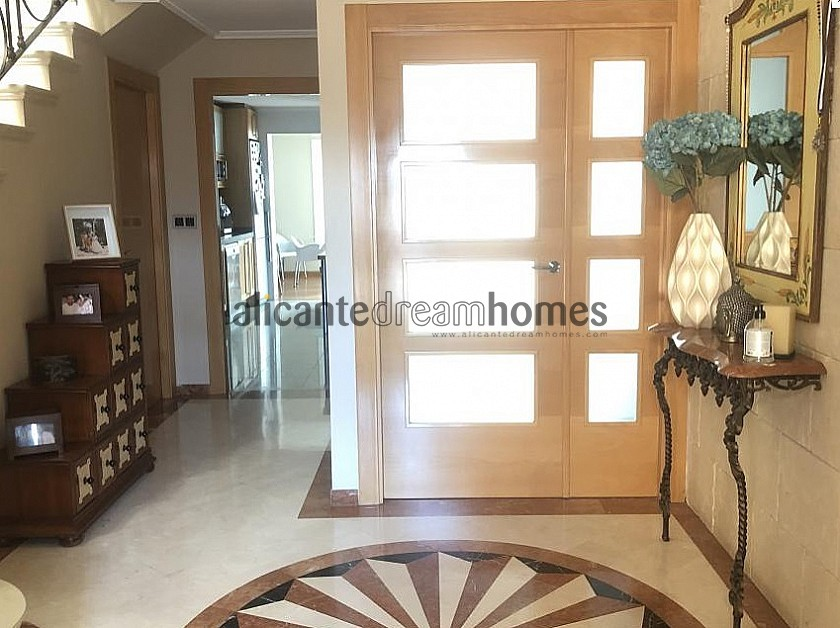 5 Bed 3 Bath Stunning Townhouse 20 Minutes from beaches in Alicante Dream Homes
