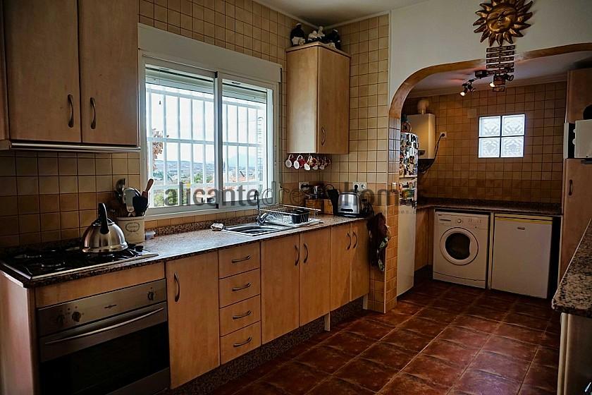 3 Bedroom Country House in Hondón de los Frailes in Alicante Dream Homes