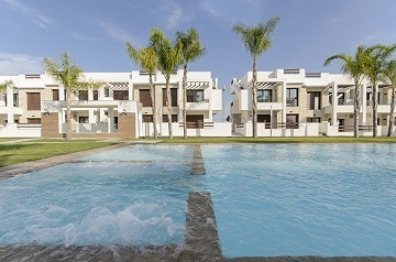 Amazing Apartment with huge Communal Pool and 4 Golf Courses nearby