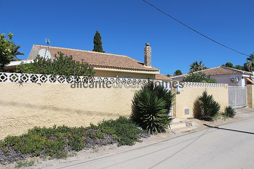 Pretty little house very close to the Fortuna thermal baths in Alicante Dream Homes