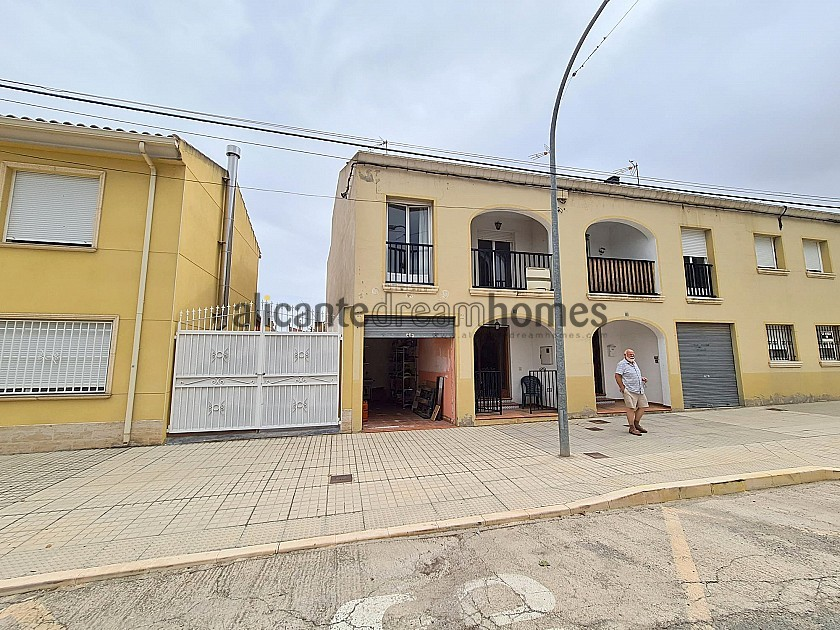 Lovely Townhouse in Las Virtudes, Villena in Alicante Dream Homes