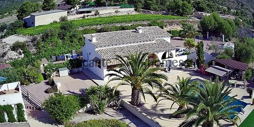 A Beautiful Traditional Style Villa With Swimming Pool And Fantastic Views in Alicante Dream Homes